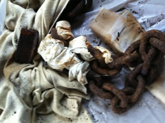 Rust-dyeing fabric