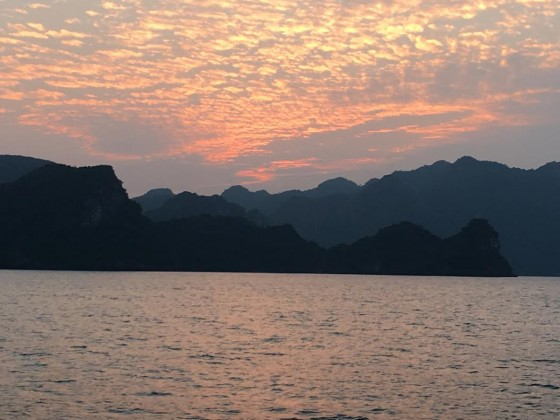 Sunrise at Ha Long Bay.
