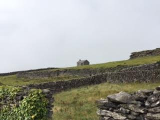An abandoned house on Inis Oirr.  Photo by Jerry Mayfield